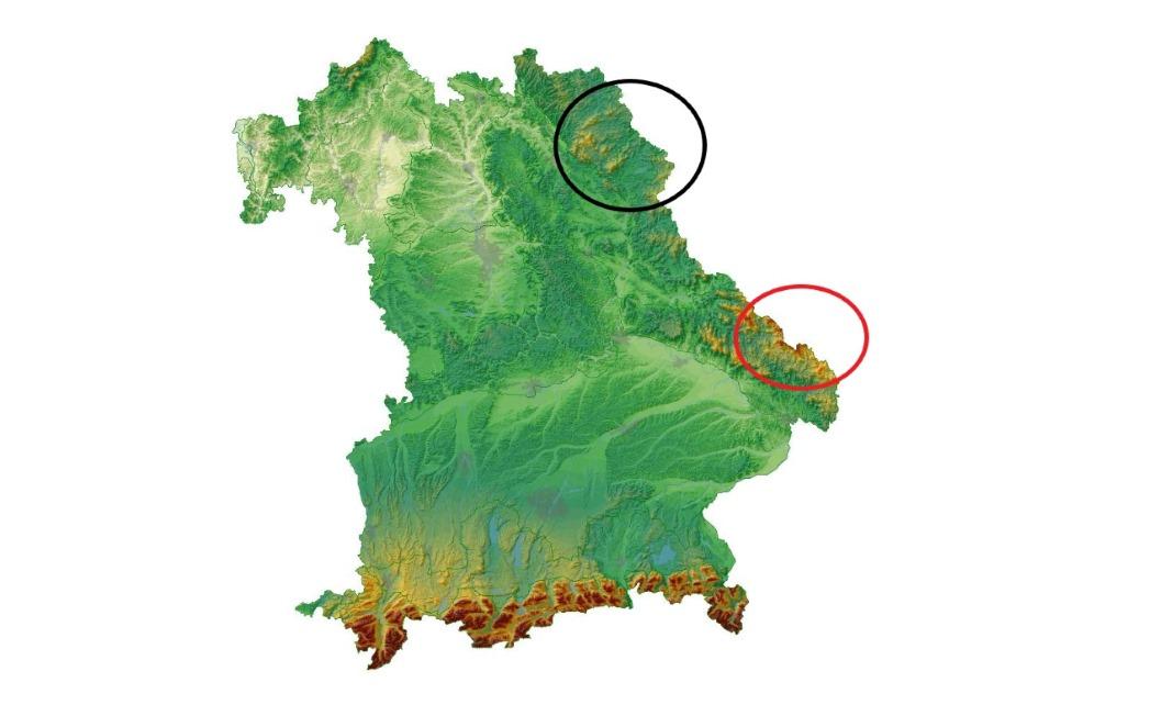 Schwarzer Kreis: Wiederansiedlungsgebiet in Nordostbayern; Roter Kreis: Isolierte Kleinpopulation im Bayerischen-, Böhmischen Wald. Bild © LfU