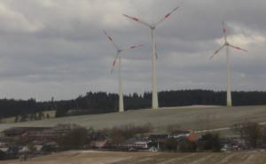 Bei drei Windrädern muss in einer standortbezogenen Vorprüfung ermittelt werden, ob eine Umweltverträglichkeitsprüfung durchzuführen ist.